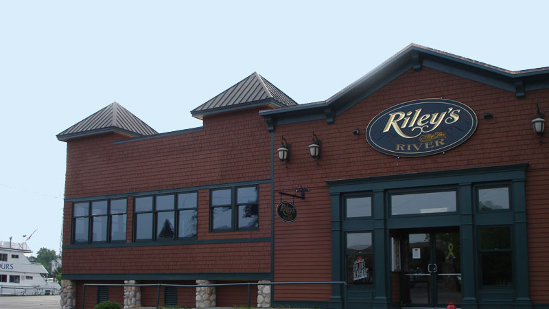 The exterior of Riley's on the River, a restaurant in Alexandria Bay, NY.