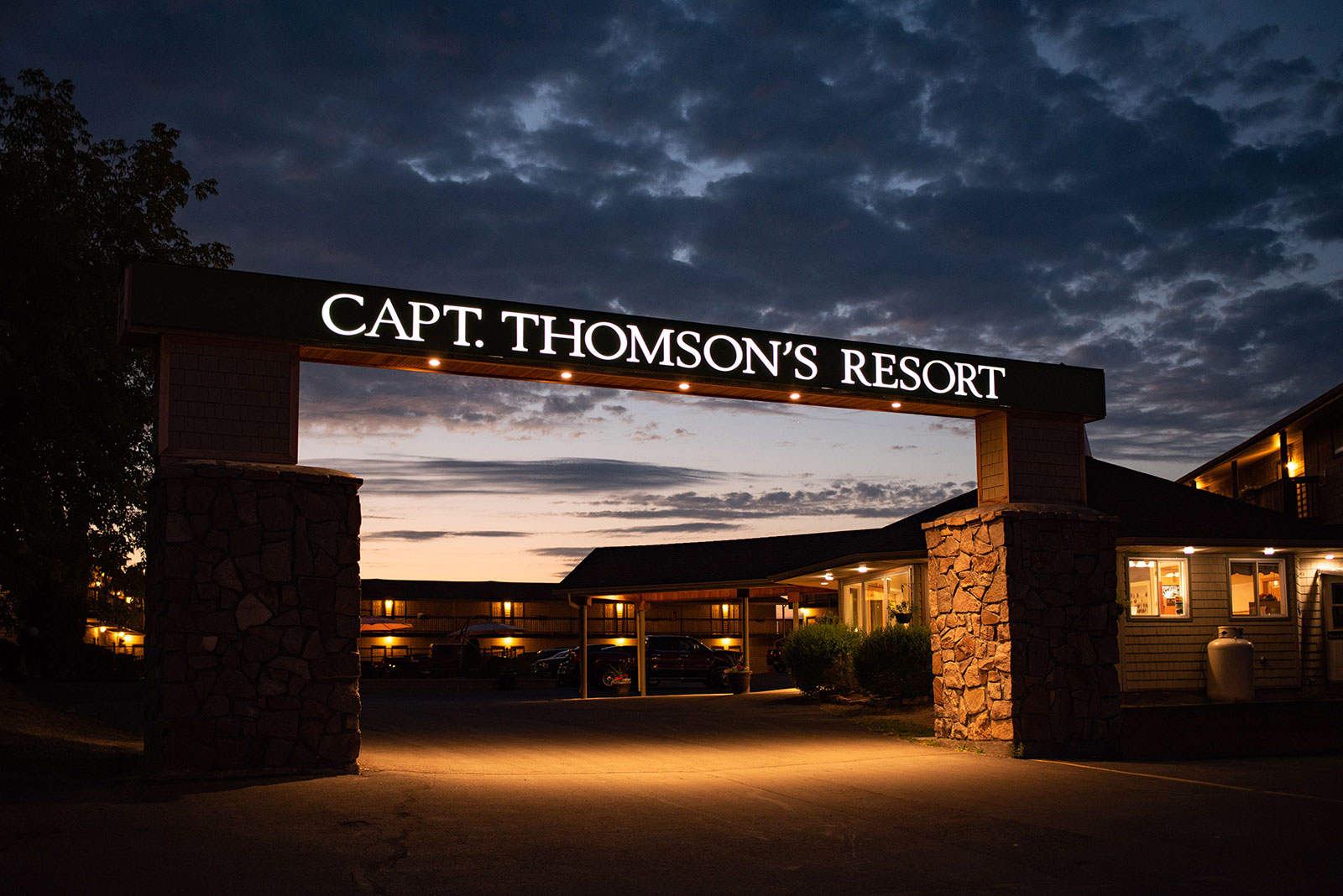 Capt Thomson Resort-Proof-96-RJF_8088